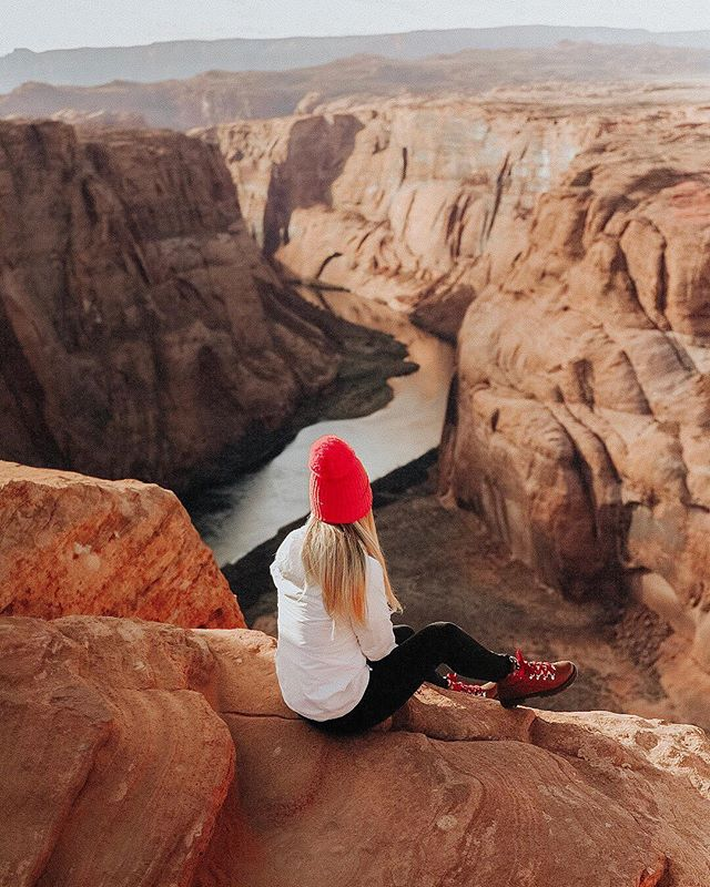 Real life places more beautiful than my dreams ��� what's the dreamiest place you've ever seen in real life?  Ps. In case you missed it, I posted an affordable last minute gift guide on my blog. More details on where and why in my stories! ✨