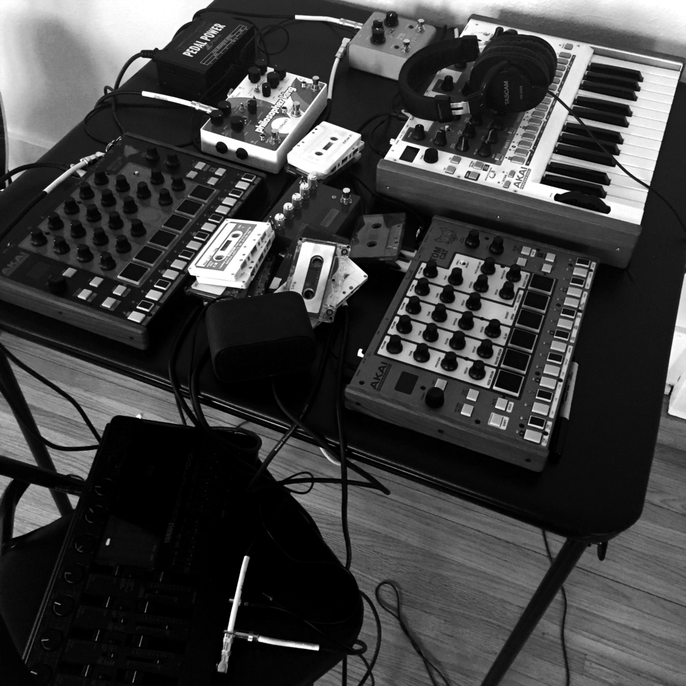 Timbre Wolf, Rhythm Wolf and Tom Cat by AKAI; Yamaha MT100SII, Pigtronix Philosopher King, Strymon OB.1 Optical Compressor, Empress Compressor.