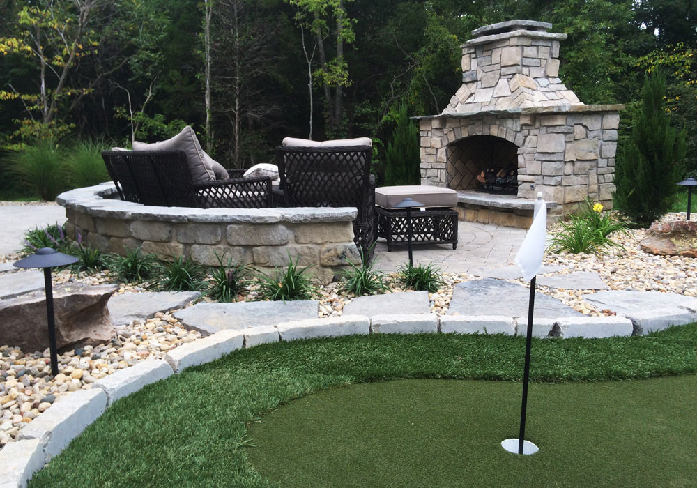 PuttingGreen_Fireplace