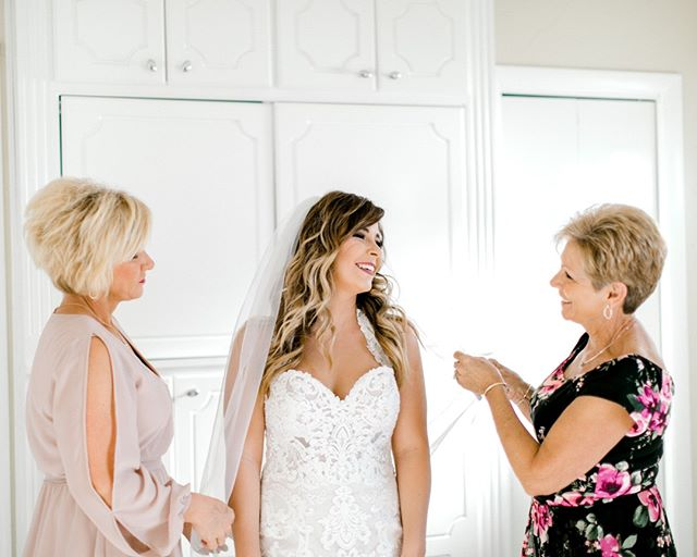 Three generations of beautiful women ❤️⠀⠀⠀⠀⠀⠀⠀⠀⠀ The getting ready moments are some of my favorites 🥰🥰 ⠀⠀⠀⠀⠀⠀⠀⠀⠀ .⠀⠀⠀⠀⠀⠀⠀⠀⠀ .⠀⠀⠀⠀⠀⠀⠀⠀⠀ .⠀⠀⠀⠀⠀⠀⠀⠀⠀ #panamacitywedding #panamacityweddingphotographer #destinationwedding #pensacolaweddingphotography #pensacolaweddingphotos #gulfcoastbride #pensacolawedding #floridaweddingphotographer #destinationweddingphotographer #destinphotographer #pensacolaweddingphotographers