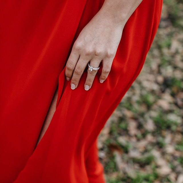 My feed should just be all about the bling 💍💍💍 @kristenbrianne13 • • #floridaweddings #gulfcoastbride #weddingphotographer #engagement #30awedding #floridaphotographer