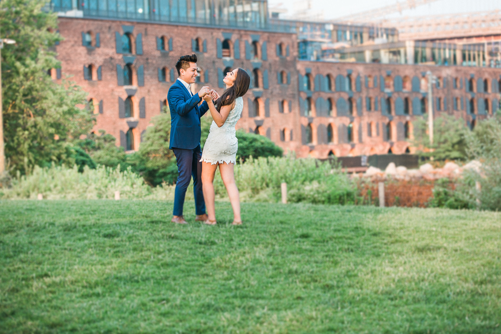 WRH Photography Brooklyn Bridge Engagement-18.jpg