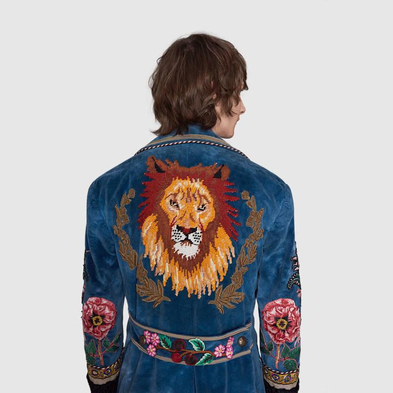 450122_Z344C_4385_006_100_0000_Light-Embroidered-velvet-coat.jpg