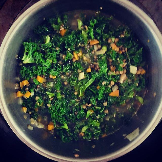 Lentils & kale. . . . #instafood #foodporn #food #buzzfeast #foodpics #foodlover #foodie #uk #farm #farmfood #fresh #markets #localfood #lentils #kale #vegetables #aga #lincolnshire  #lincolnshirewolds