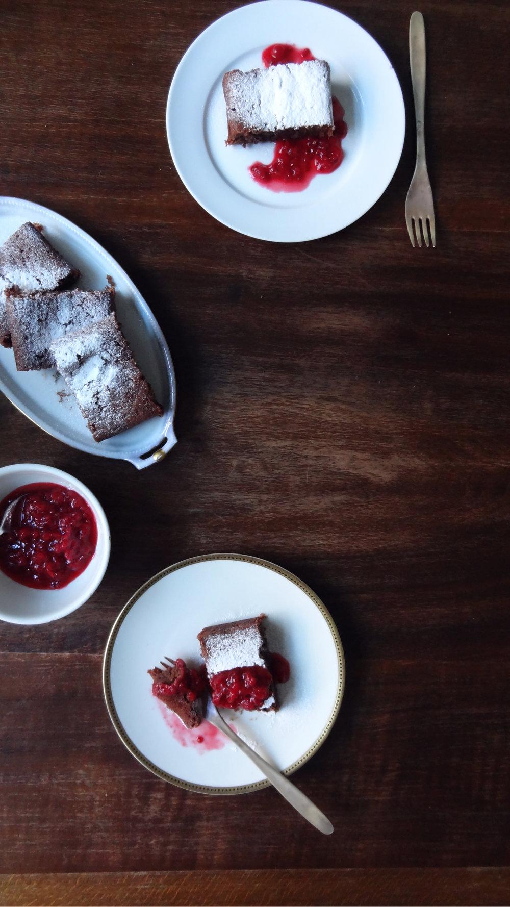 Vegan Mocca Amaretto Cake Sainte Chapelle Paris Blog Post Aesum