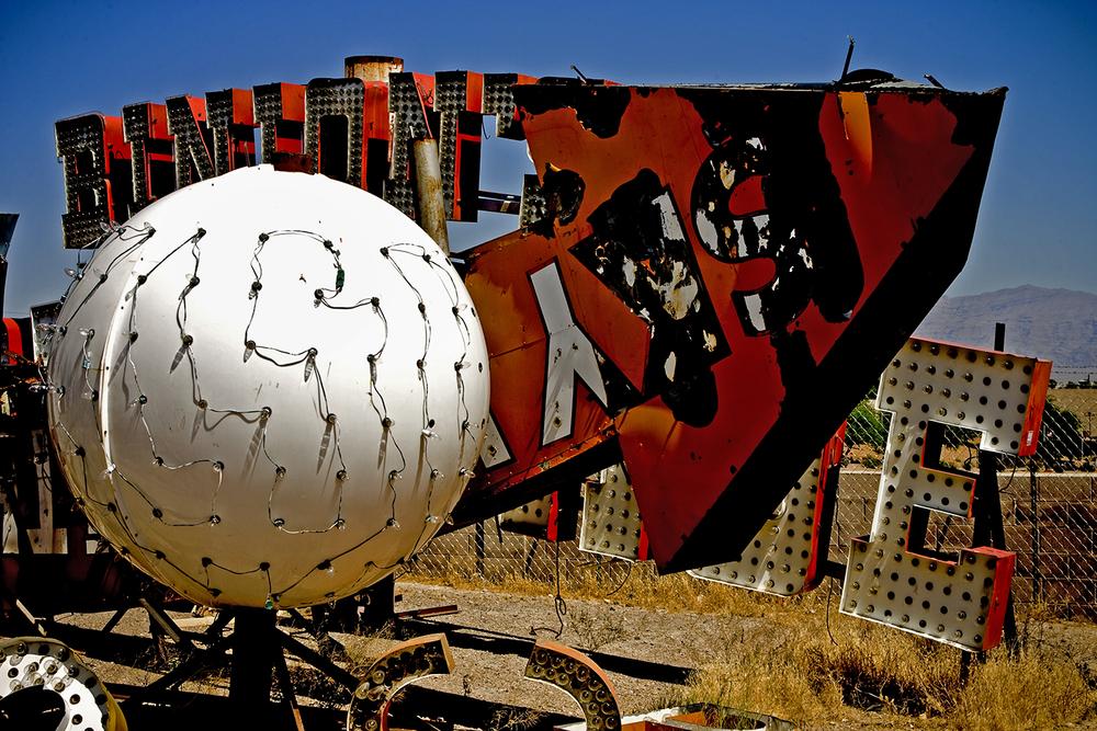 lightball.1500.jpg
