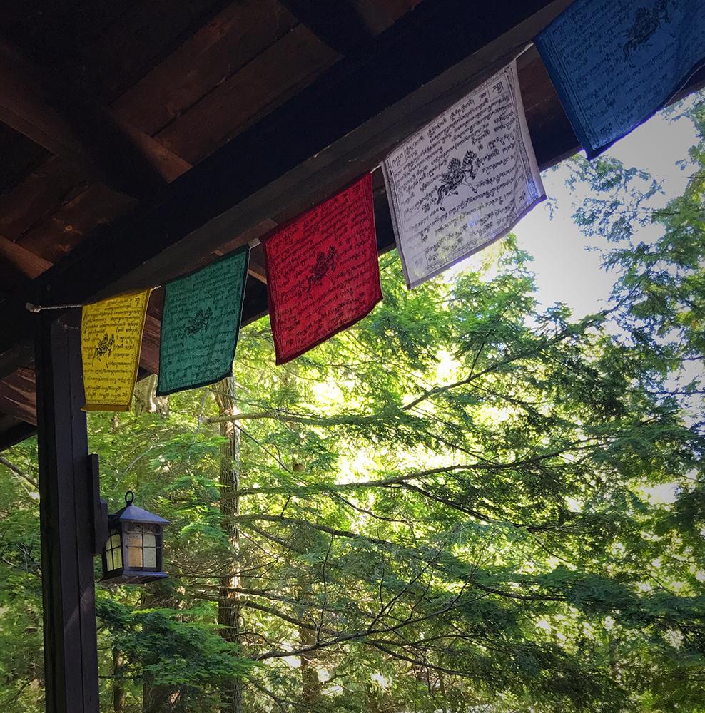 budist.flags.1000.jpg