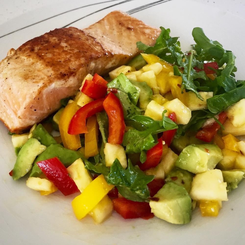 Salmon with pineapple salsa salad