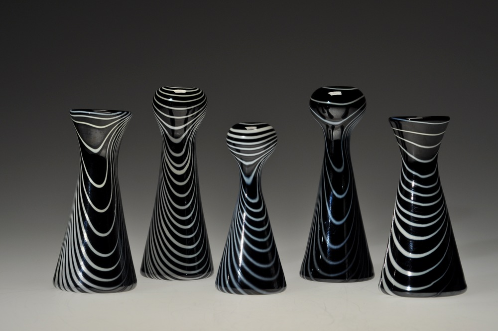 5 black and white vases.JPG