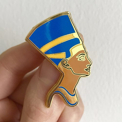 Ever Wonder Where That Iconic Bust Of >> Nefertiti Enamel Pin Egyptian Queen Diego