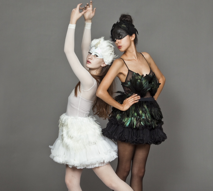 Black Swan Women Group Halloween Costume