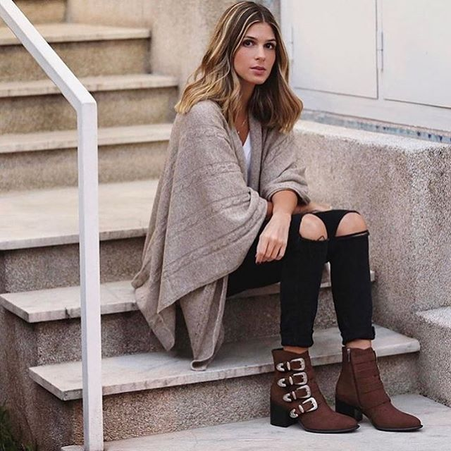 We eat and wear our chocolate. Hello 🍫 boots! Shop these nubuck suede beauties on the site! 🛒