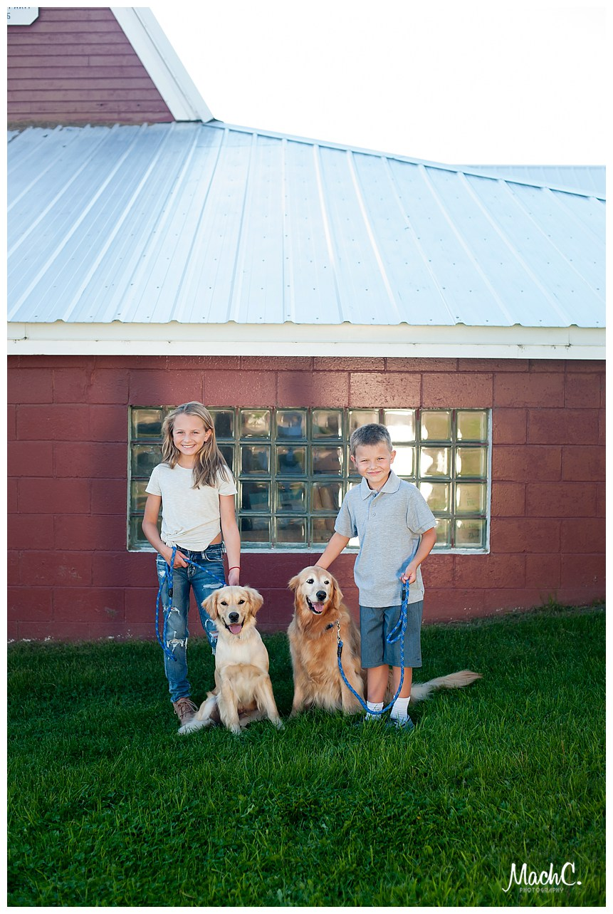 34WentzKids16_Camas-Kids-Photographer-with-goldens, Fairbanks Family Photography.jpg