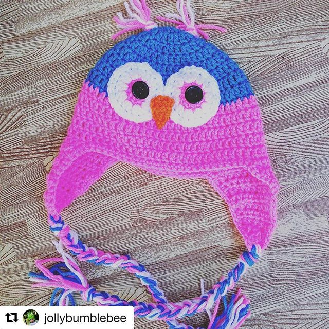 "Today I met the talented Alicia of @jollybumblebee who crochets these adorable owl hats (and so much more!). It's so nice to meet in person after connecting online. Looooove her work! She writes ""A very bright owl! Owl hats are $20 "" #crochet #jollybumblebee #shopsmall #owl #owlhat"