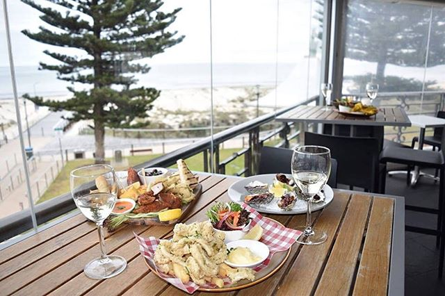 Enjoy your Sunday upstairs on the balcony // From 12:30pm onwards with delicious food and irresistible drink specials! #sunday #funday #lunch #sundaysesh #drinks #food #beach #seaside #thegrangehotel #grangebeach #grange