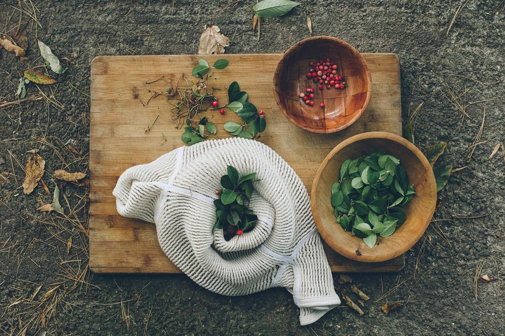 ccb-xtrafancy-forage-teaberryprep.jpg