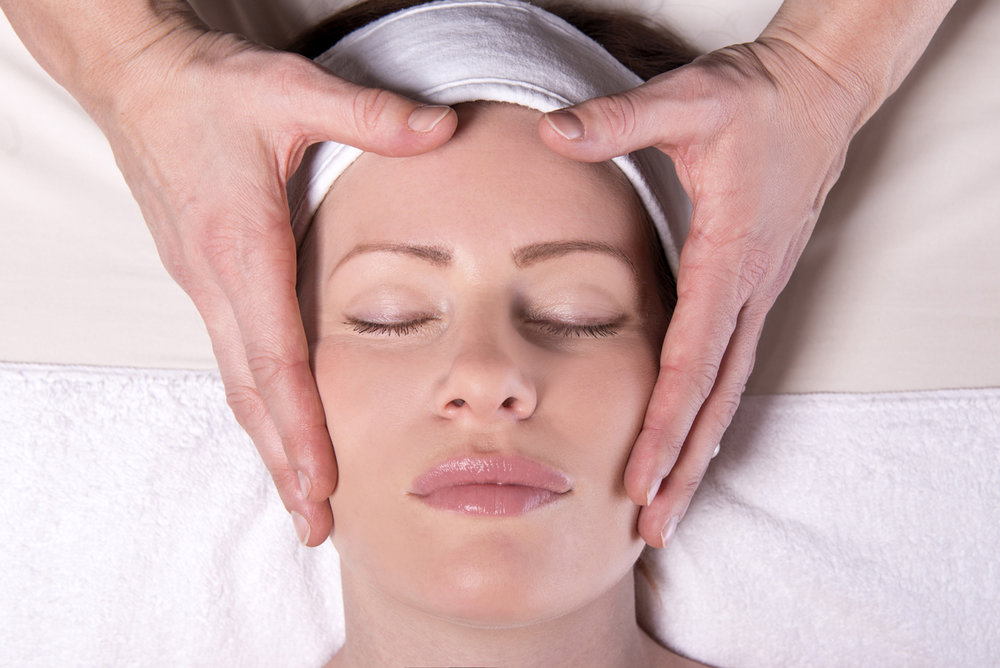 Transformation Facial - A deeply relaxing facial which blends healing modalities such as Reiki, reflexology or head massage to soothe away stress and nourish your skin