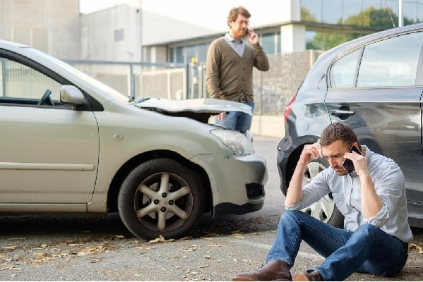 The 10 Things You Need to Do After a Car Accident - Arnold Insurance Agency.jpg