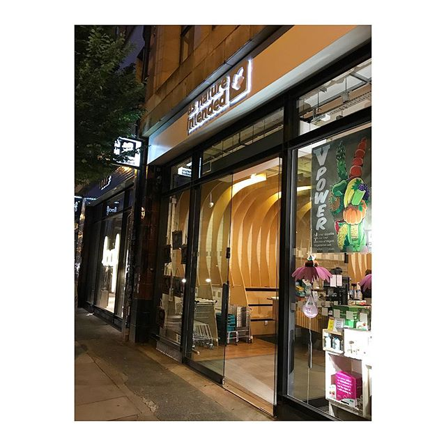 @asnatureintendeduk spitalfields is fully stocked with skinny dipping dips! 💕✌🏽💕