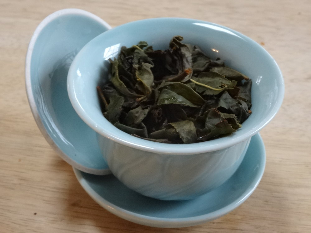 lishan oolong in gaiwan.JPG