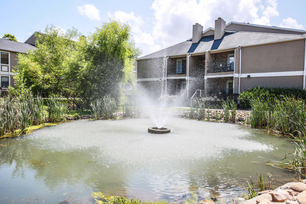 Fox Lake Apartment Homes offers 2 and 3 bedroom apartments for rent in Knoxville, TN.