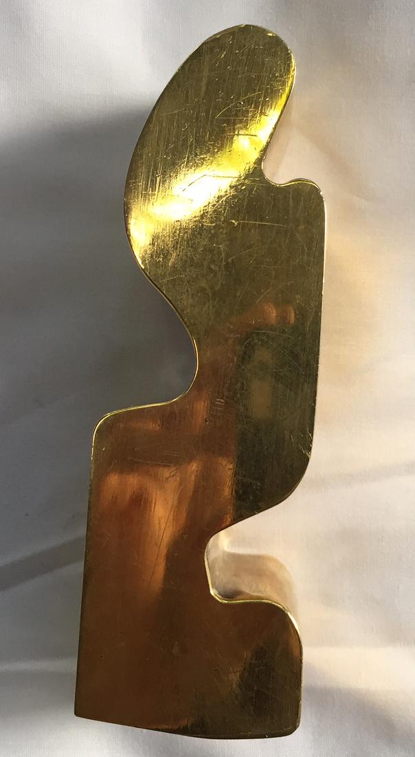 Ojo de la cerradura de la Casilla 1081 , 2015. Bronce, 20 x 8 x 5 cms.   Keyhole of the Mail Box Nº 1081, 2015. Bronze, 20 x 8 x 5 cm.