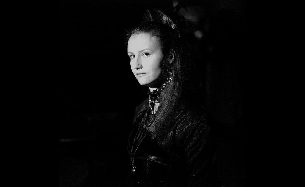 Vještice - Zloglasna Crna kraljica okupila je najbolje vještice medvedgradskog vlastelinstva: do ponoći joj morate izraditi čarobni napitak ili ćete gorjeti na lomači