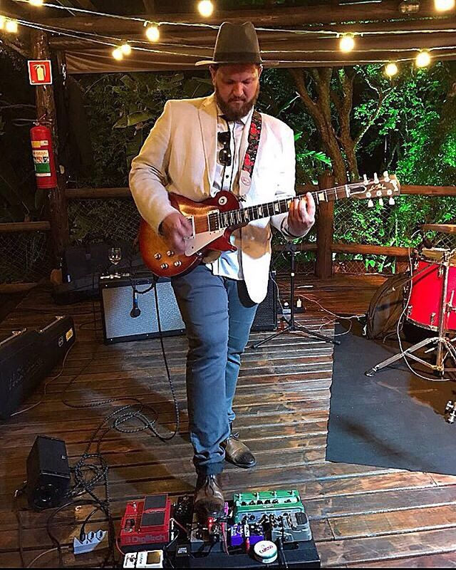 All you need: talent, a gibson and this perfect outfit.  #outoftheblue #gibson #talent #guitarpedals #hat #blazer #fenderamp