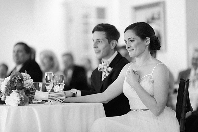 bride gets teary during toast from her sister - Sarah Der Photography
