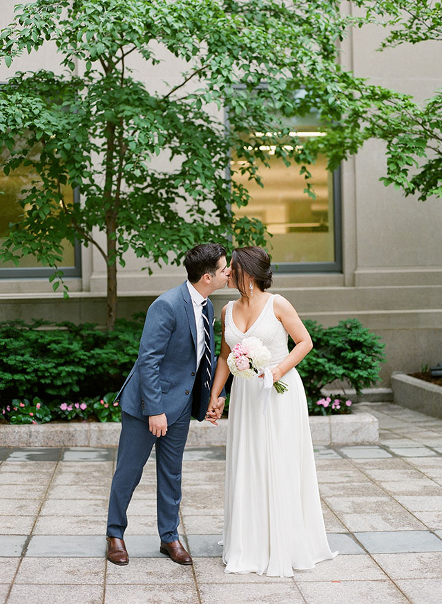 boston public garden wedding ceremony - Sarah Der Photography