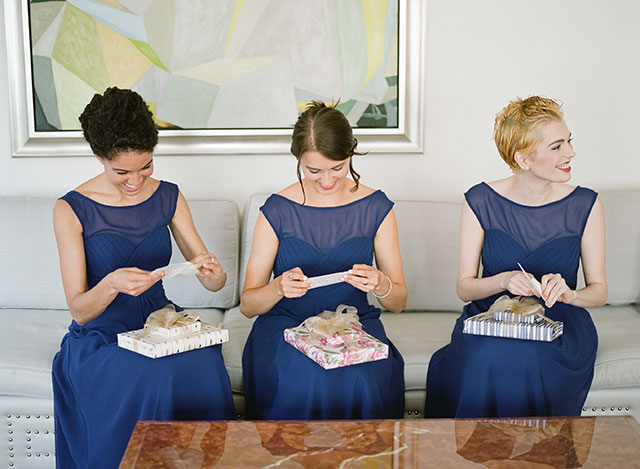Bride gives gift to bridemaids - Sarah Der Photography