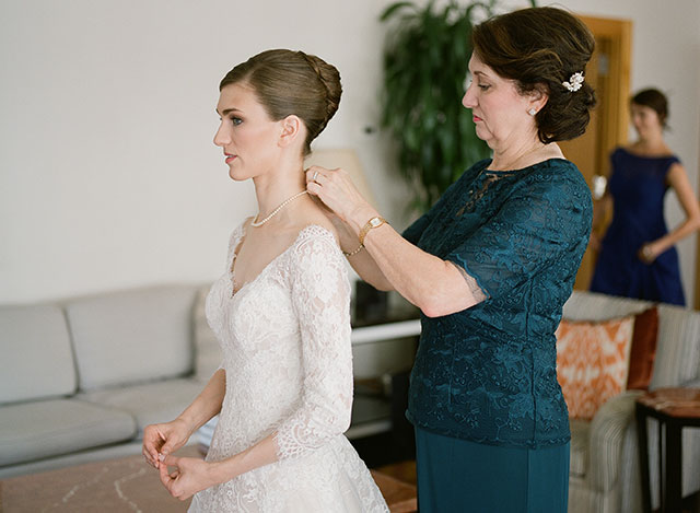 bridal preparation in bridal suite at the Lotte Palace - Sarah Der Photography