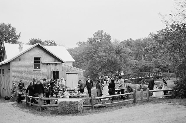 outdoor cocktail hour in freedom, maine - Sarah Der Photography