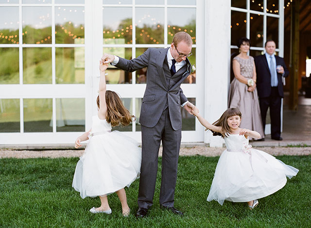 how to involve flower girls in your wedding day plans
