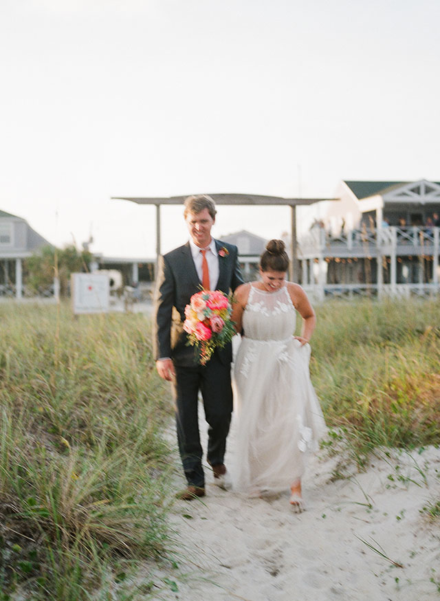 beach portraits at sunset at carolina yacht club