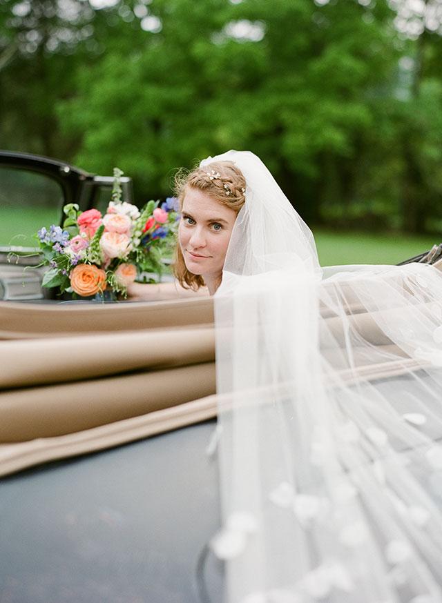 Long lace veil - Sarah Der Photography