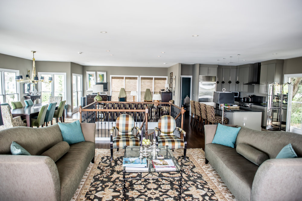 With Majestic Views Of The Water Expanding Out Towards Fort Sumter, This  Luxury Vacation Rental Sits On The Historic Charleston Harbor. With 3BR And  3.5BA, ...