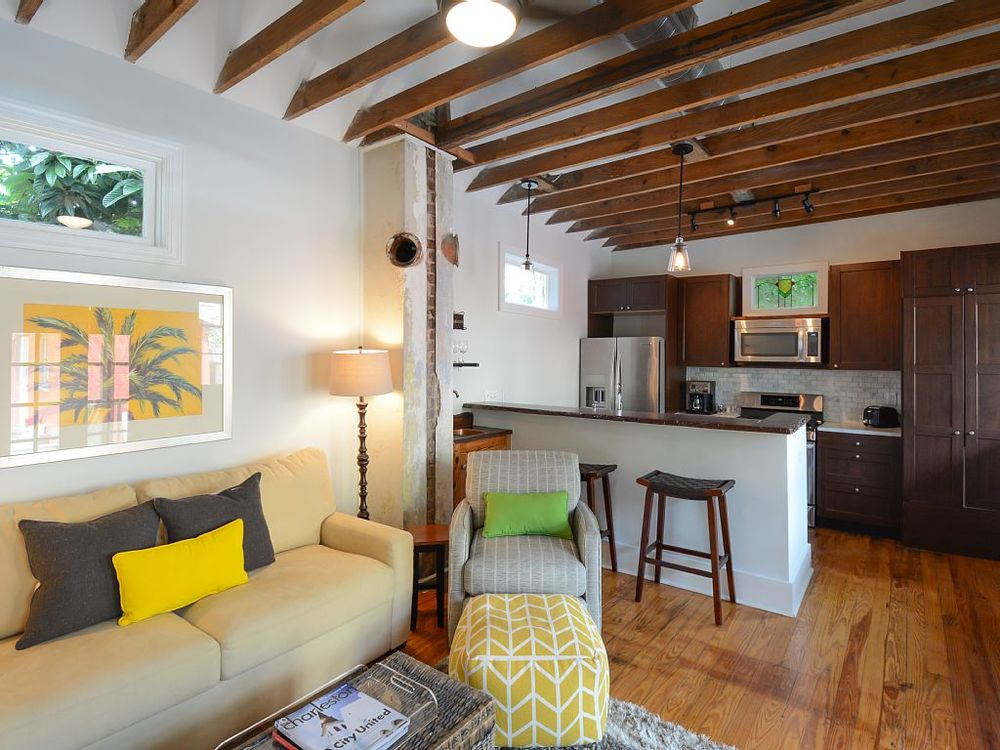 Carriage House 1