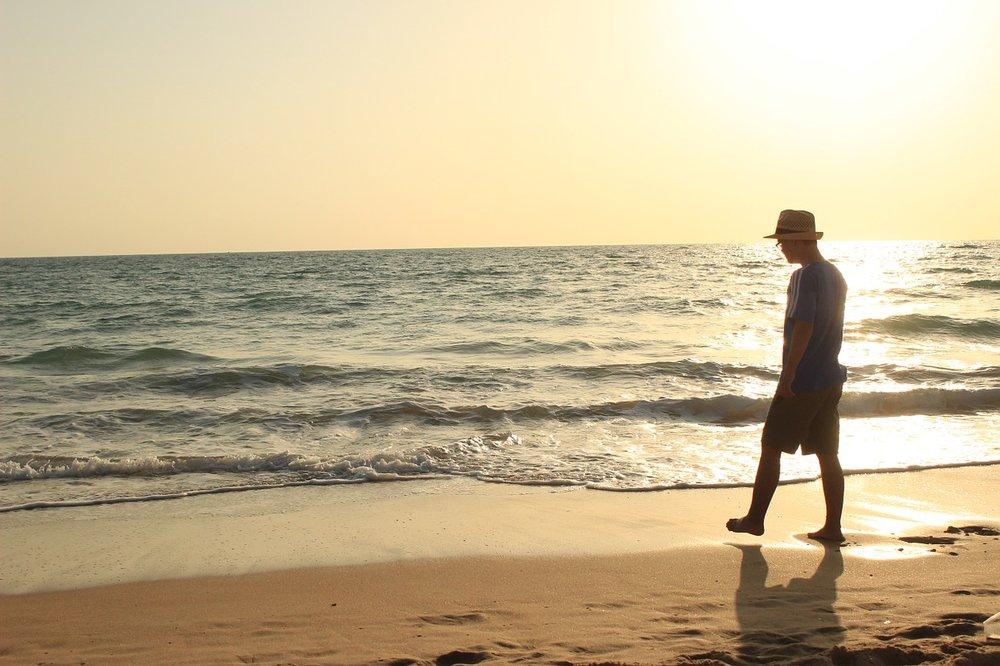 beach-816578_1280.jpg