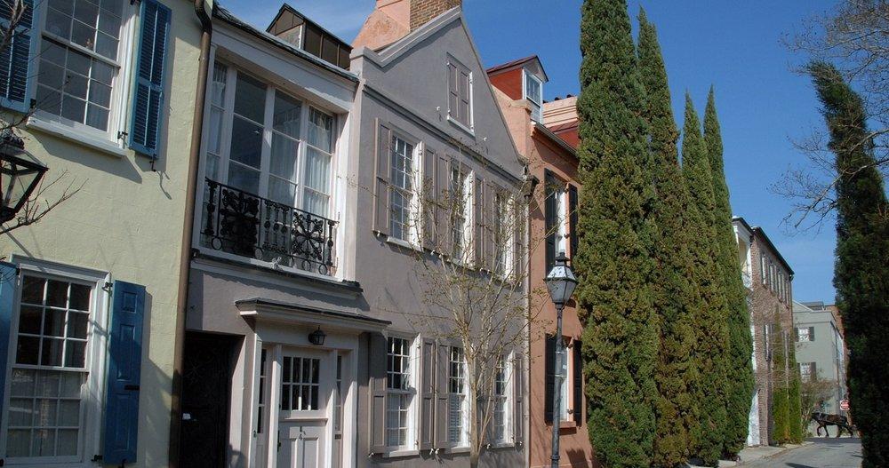 historic-neighborhood-1188039_1280.jpg