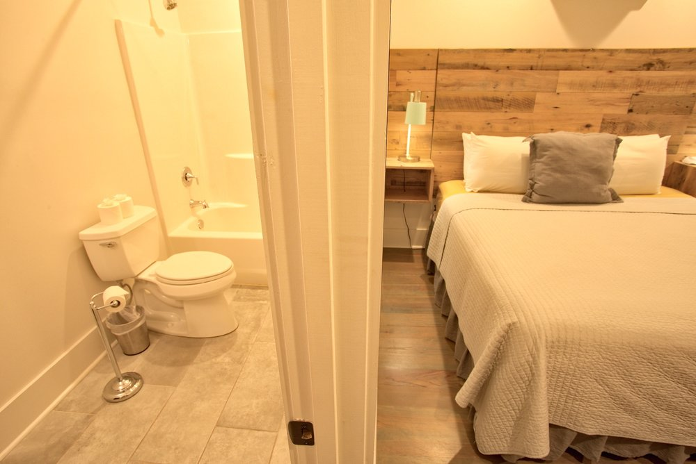 Suite on King Street Charleston SC Vacation Rental The Drayton Suite7.jpeg