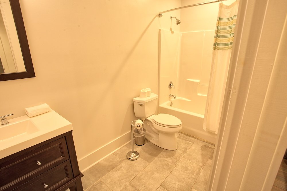 Suite on King Street Charleston SC Vacation Rental The Drayton Suite8.jpeg