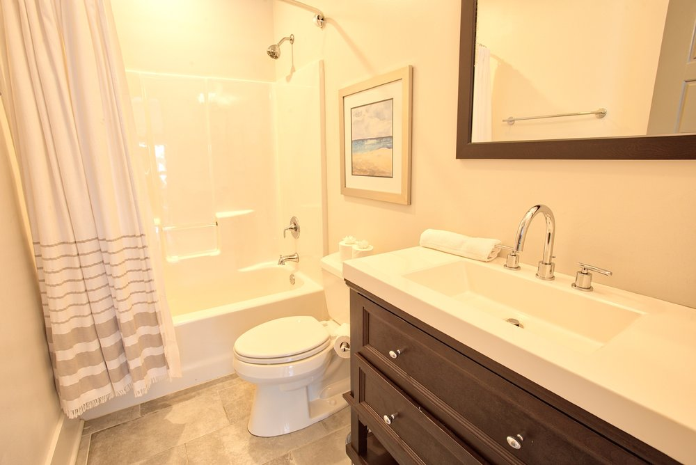 Suite on King Street Charleston SC Vacation Rental The Drayton Suite23.jpeg