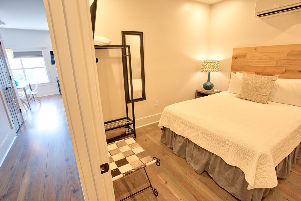 Suite on King Street Charleston SC Vacation Rental The Cooper Suite13.jpeg