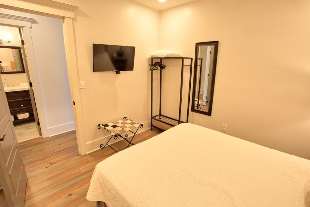 Suite on King Street Charleston SC Vacation Rental The Cooper Suite15.jpeg
