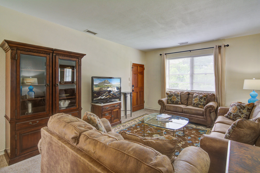 652 WEST ASHLEY - 2 BEDROOMS - SLEEPS 4AVAILABLE ON A MONTHLY BASIS: 7/2