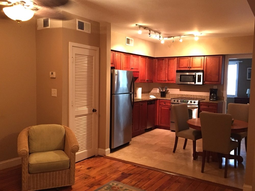 251 #4 - 1 BEDROOM - SLEEPS 4AVAILABLE ON A MONTHLY BASIS: 9/16