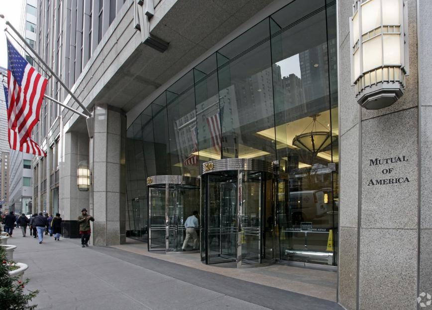 320 Park Avenue Entrance.PNG