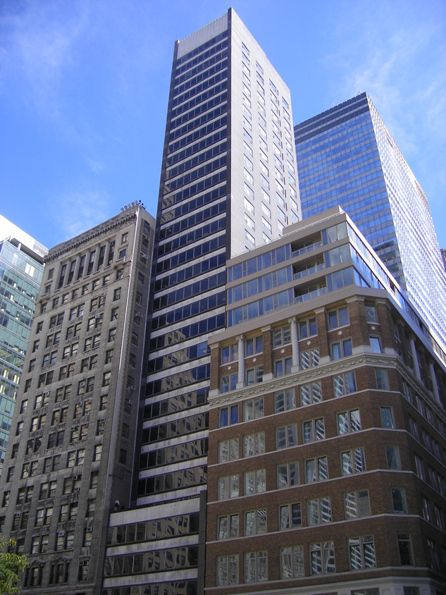 The Two Direct Leasing Opportunities Within 489 Fifth Avenue Are Both 4988 Sf In Size And Are Located On The 31st 34th Floors