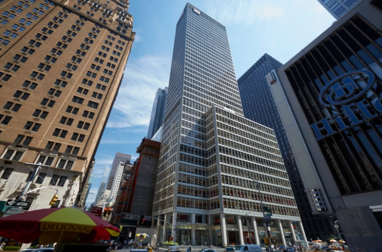1330 AVENUE OF THE AMERICAS. PHOTO: COSTAR GROUP